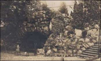 A real-photo postcard image of the Grotto from 1912.